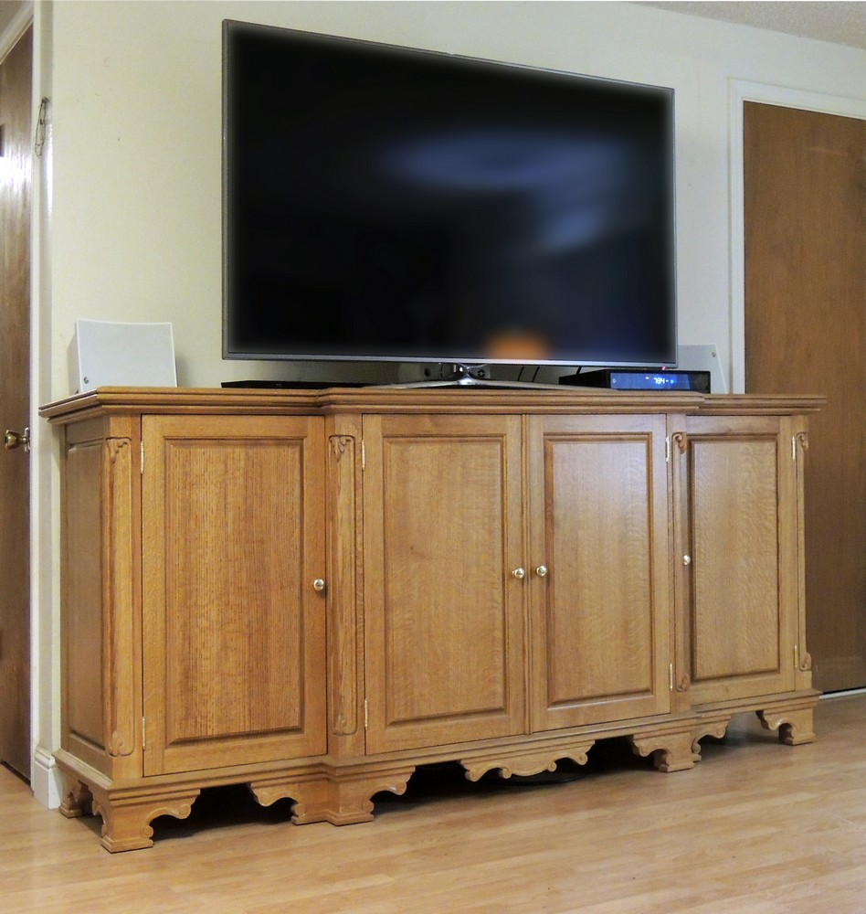 Merveilleux Quarter Sawn Oak TV Base With Flush Hung Doors; Carved Posts; Carved